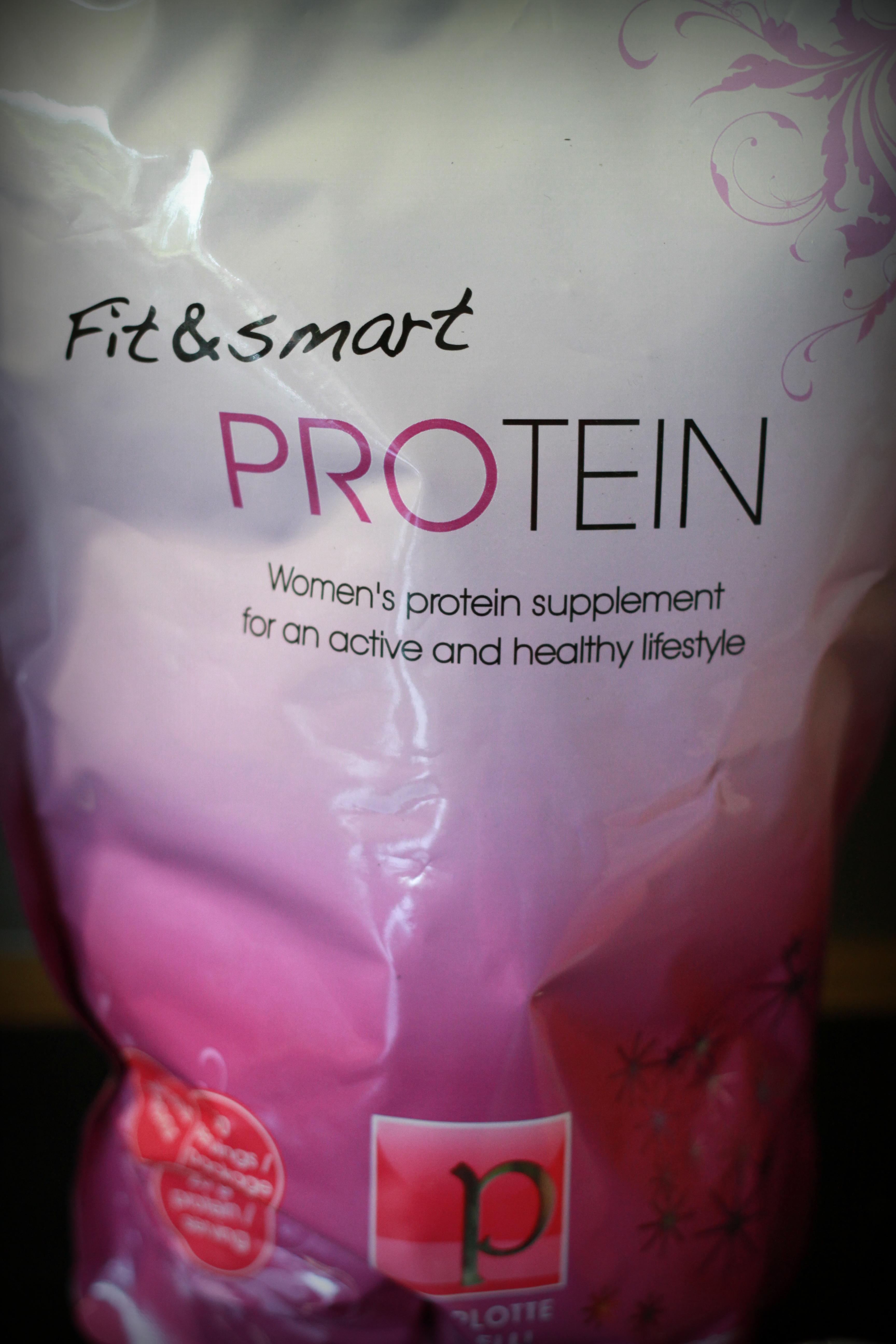 jenter og proteinpulver